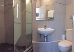 Hotel Arian - Pariisi - Kylpyhuone