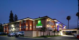 Holiday Inn Express Santa Rosa North, An IHG Hotel - סנטה רוזה