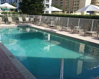 Shores Terrace - Pompano Beach - Pool