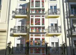 Dato 2 - Vitoria-Gasteiz - Rakennus