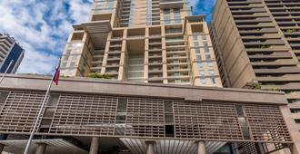 Discovery Primea - Makati - Edificio