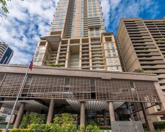 Discovery Primea - Makati - Building
