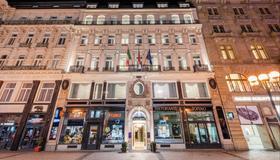 Hotel Liberty - Praga - Edificio