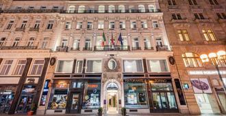 Hotel Liberty - Praga - Edifício