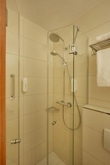 紐倫堡華美達酒店 - 紐倫堡 - 紐倫堡 - 浴室