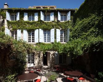 Hôtel De L'atelier - Villeneuve-lès-Avignon - Building