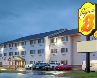 Super 8 by Wyndham Mason City - Mason City - Building