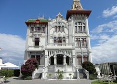 Hotel Villa Rosario - Ribadesella - Building