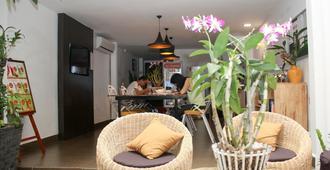 Sla Boutique Hostel - Phnom Penh