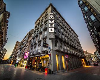 Hotel Saint Sauveur by WP Hotels - Бланкенберге - Building