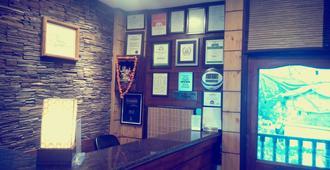 Hotel Kapil - Shimla - Front desk