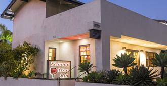Orange Tree Inn - Santa Barbara - Building