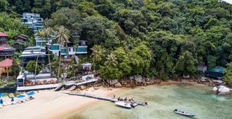 Alunan Resort - Pulau Perhentian Besar - Strand
