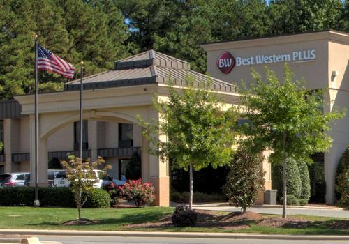 Peachy Best Western Plus Cary Inn Nc State 66 101 Cary Home Interior And Landscaping Ymoonbapapsignezvosmurscom