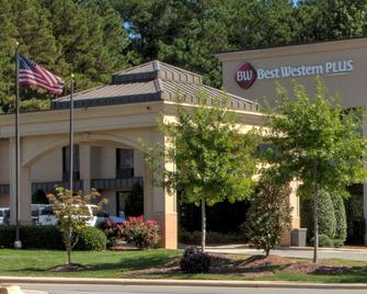 Best Western PLUS Cary Inn - NC State - Cary - Edificio