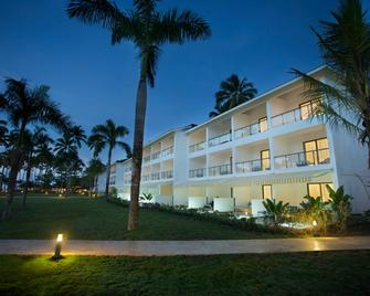 Viva Wyndham V Samana - Adults Only - Samaná - Building