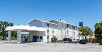 Motel 6 Council Bluffs - Council Bluffs - Building