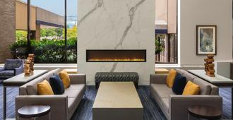 Sheraton Norfolk Waterside Hotel - Norfolk - Lobby