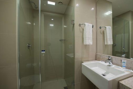 Days Inn by Wyndham Rio de Janeiro Lapa - Rio de Janeiro - Bathroom