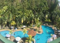Virgo Batik Resort - Lumut - Pool