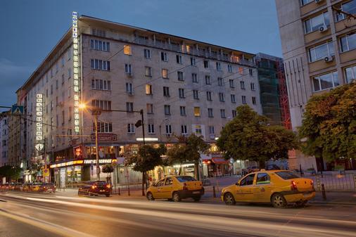 Slavyanska Beseda Hotel - Sofia - Building