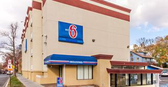Motel 6 Washington DC - Washington - Building