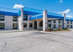 Motel 6 Richmond - Richmond - Building