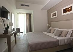 Hotel Ambassador - Marotta - Bedroom