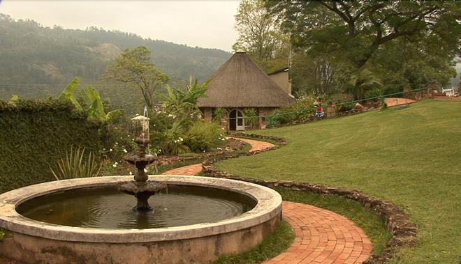 Emafini Country Lodge - Mbabane - Outdoors view