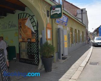 Penzion U Selongu - Gentleman - Jindrichuv Hradec - Building