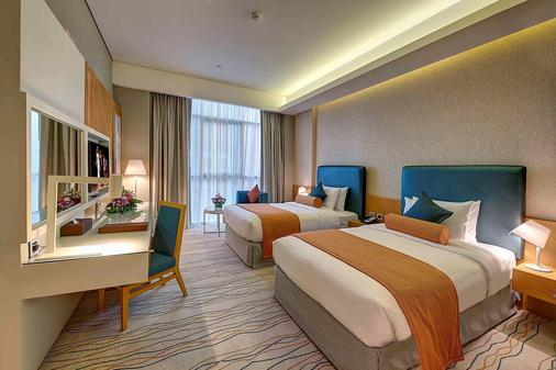 Royal Continental Hotel - Garhoud - Bedroom