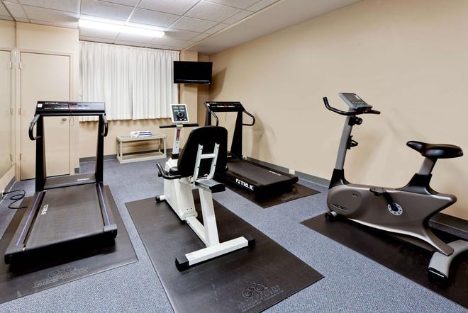 Hawthorn Suites by Wyndham Louisville East - Louisville - Gym