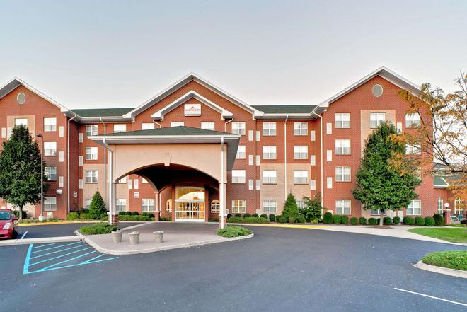 Hawthorn Suites by Wyndham Louisville East - Louisville - Building
