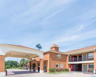 Days Inn by Wyndham, Sulphur LA - Sulphur - Edificio
