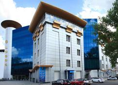 Tsunami Spa Hotel - Dnipro - Edifício