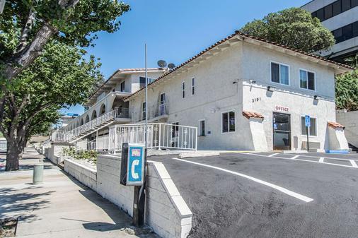 Motel 6 Orange - Anaheim - Orange - Rakennus