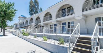 Motel 6 Orange - Anaheim - Orange - Κτίριο