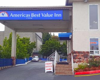 Americas Best Value Inn Lynnwood Seattle - Lynnwood - Building