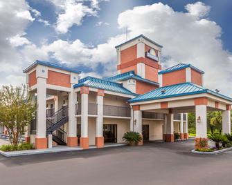 Days Inn by Wyndham Chiefland - Chiefland - Building