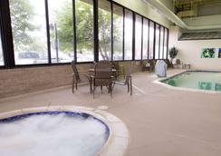 聖路易斯聯合車站梨樹酒店 - 聖路易 - 聖路易斯 - 游泳池