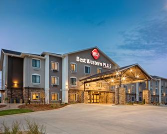 Best Western Plus Overland Inn - Fort Morgan - Edificio