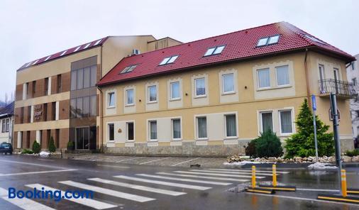 Hotel Rainer - Braşov - Toà nhà