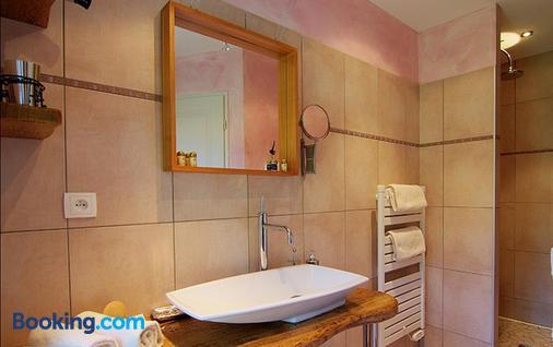 Chambres d'Hôtes Des Fées - Pretin - Bathroom