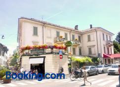 Albergo Bologna - Varese - Edifício