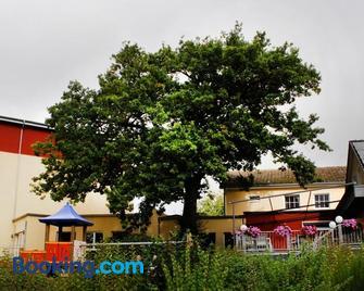 Hotel Weserschiffchen - Porta Westfalica - Gebouw
