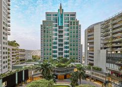 Sheraton Surabaya Hotel & Towers - Surabaya - Building