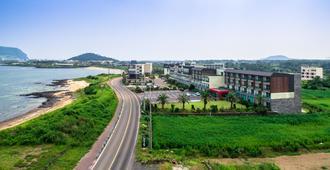 Areumdaun Resort - סאוגוויפו - נוף חיצוני