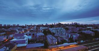 Oaks Melbourne South Yarra Suites - Melbourne - Balcony
