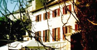 Jfi Hermitage - Assisi