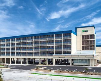 Holiday Inn Express Nags Head Oceanfront, An IHG Hotel - Nags Head - Budova